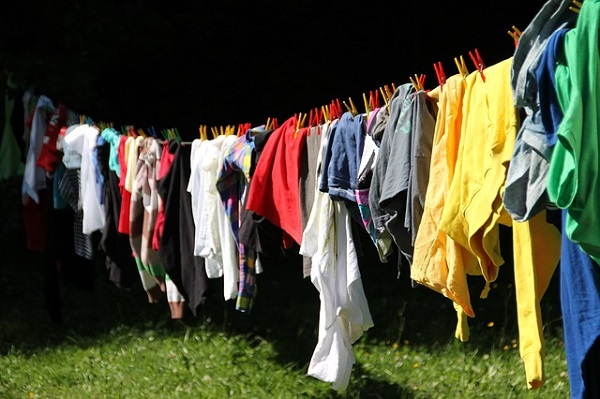3 Places to Sell Your Children's Clothes for Quick Cash