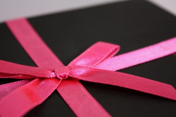 Create a Memorable Present for Less Than $30 By Using Gift Cards