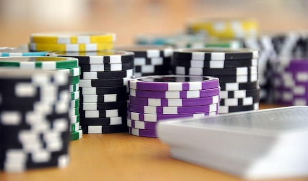 How to Recognize When Your Spouse Has a Gambling Problem or Addiction