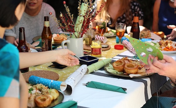 Tips to Throwing a Great Holiday Party on a Tight Budget